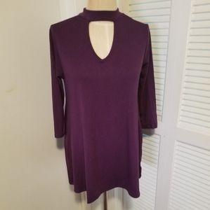 Size Small flowy purple choker top